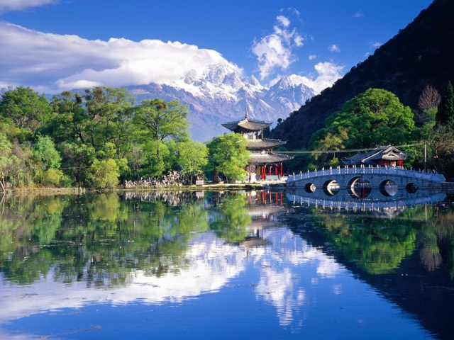 black dragon pool lijiang yunnan china